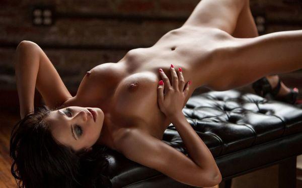 Naked morgan Model Kaylan