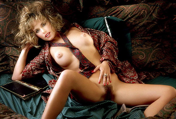 Katy Louise Saunders  nackt