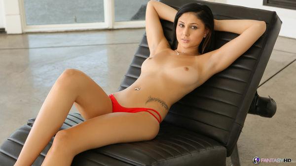 Topless jessica henwick Jessica Henwick