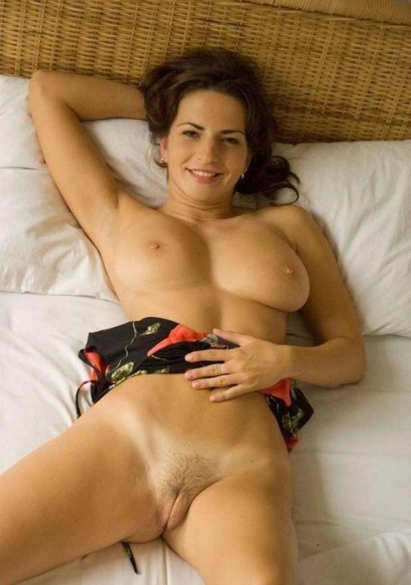 Ramirez nackt Sara  Marisa Ramirez