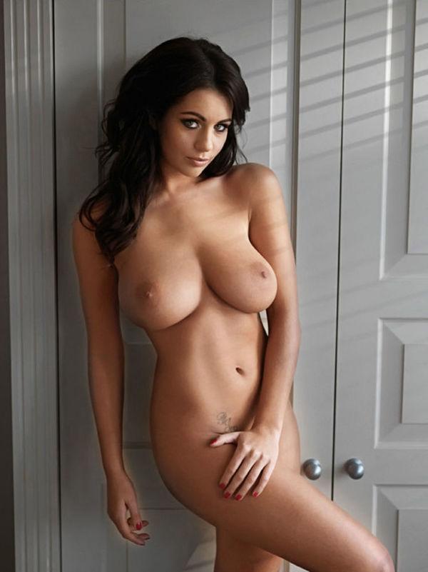 Marta Gut  nackt
