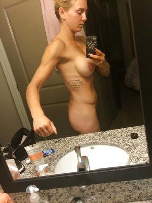 Ana Laspetkovski  nackt